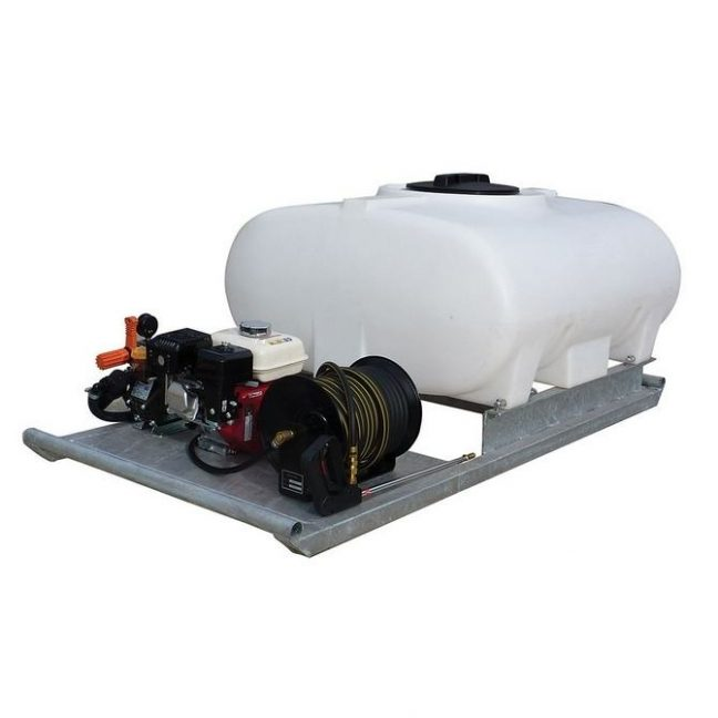 500 litre skid mounted field spray unit