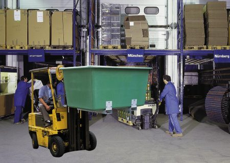 550 Litre Green Plastic Container w/ Forklift Pockets