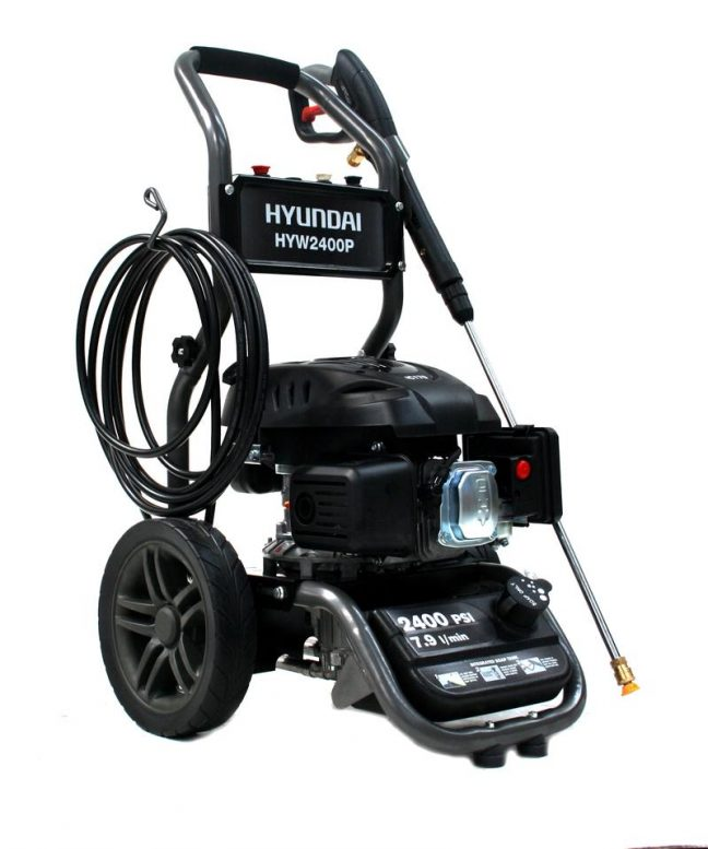 soap dispensing pressure washer HYW2400P MAIN IMAGE