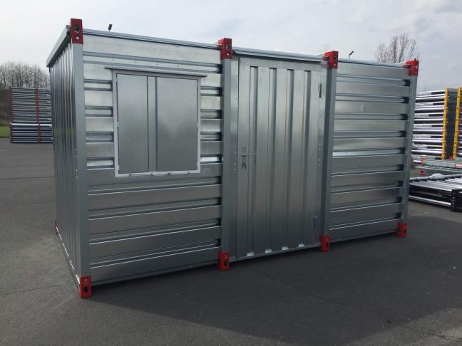 Flat Pack Container with Central Side Door